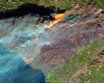Kalforniya'daki yangın uzaydan görüntülendi