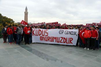 Antalyasporlu taraftarlardan alkışlık hareket