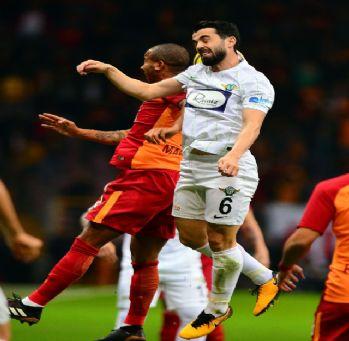 Galatasaray'a şok üstüne şok !