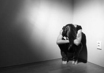 Sevgilisinin kızına ve arkadaşına 2 yıl boyunca tecavüz etmiş!