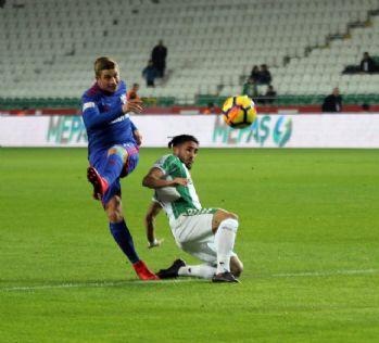 Atiker Konyaspor ilk yarıyı önde kapattı
