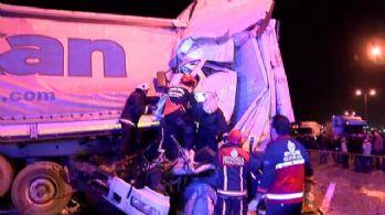 TEM'de korkunç kaza: 1'i ağır 3 yaralı