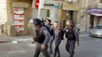 Batı Şeria'da 12 Filistinli genç gözaltına alındı