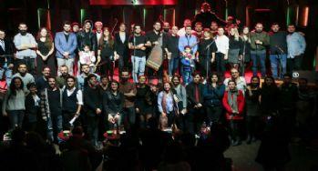 Mülteci müzisyenler dünya barışı için sahne aldı