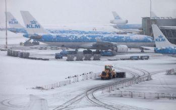 Avrupa'da uçuşlar iptal