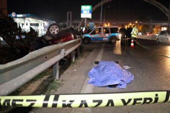 Otomobil bariyerlere çarparak takla attı: 1 ölü, 3 yaralı