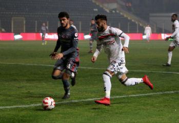 İlk yarıda Beşiktaş'ın üstünlüğü var