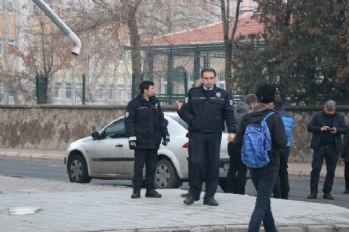 Kayseri'de cinnet dehşeti: 3 ölü !