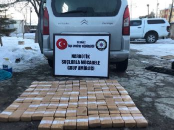 Durdurulan kamyonetten 50 kilo eroin çıktı