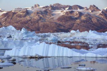 Kuzey Kutbu son bin 500 yıldır en hızlı erime içinde