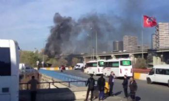 Otogar girişinde otobüste yangın