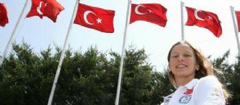 Galatasaraylı yüzücü Nida Eliz Üstündağ finalde