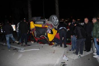Taksiyle otomobil çarpıştı: 1 ölü, 3 yaralı