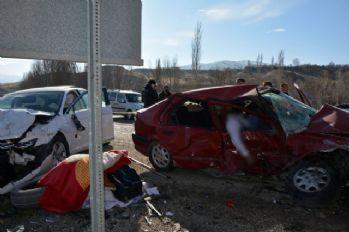 Sivas'ta trafik kazası: 2 ölü, 4 yaralı