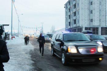 Başbakan Yıldırım'a ulaşabilmek için metrelerce koştu
