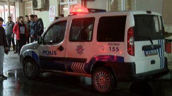 Kavgayı ayırmak isteyen polis bıçaklandı