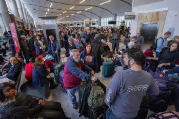 Havalimanındaki elektrik kesintisi ABD'de krize neden oldu