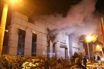 Çamaşır yıkama fabrikasında korkutan yangın