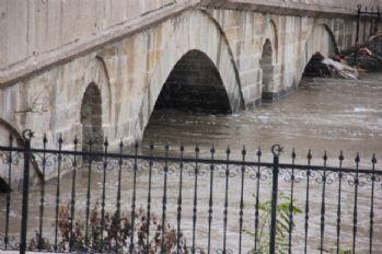 Tunca Nehri'nin debisi arttı