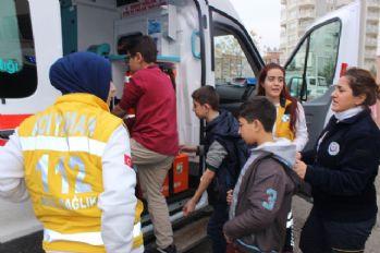 20 öğrenci evden getirilen yiyeceklerden zehirlendi