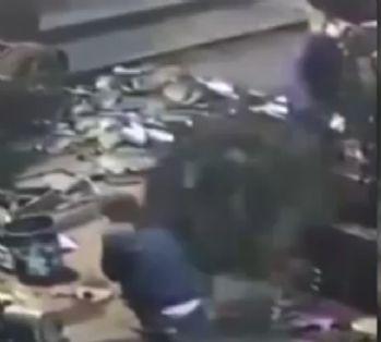 Dev tekerlek işçinin üzerine böyle düştü