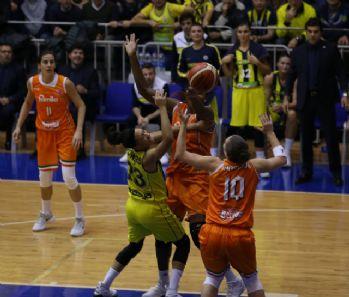 Fenerbahçe İtalyan rakibini yendi