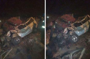 Kahire'de kamyon, minibüse çarptı: 13 ölü