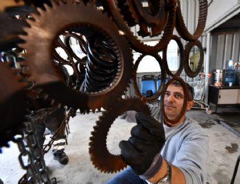 Hurda metaller sanata dönüştü