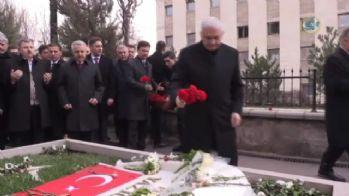 Yıldırım, Yazıcıoğlu'nun mezarını ziyaret etti