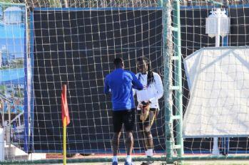 Galatasaraylı futbolculardan Cissokho'ya ziyaret