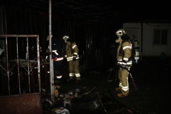 Konteynerde yangın: 3 ölü