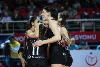 Galatasaray'ı yenen Eczacıbaşı VitrA liderliğini korudu