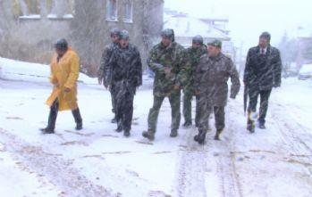 Düşen askeri uçak için kaza kırım ekibi bölgede