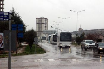ÖSO askerleri otobüslerle Suriye'ye sevk ediliyor