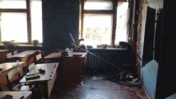 Rusya'da okula baltalı saldırı