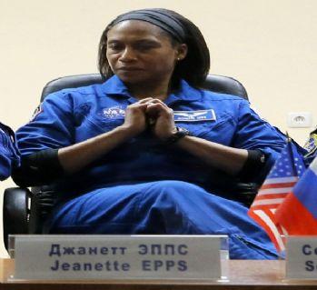 ABD'li astronot görevden alındı