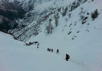 Bitlis'te çığ düştü: 5 şehit, 12 yaralı