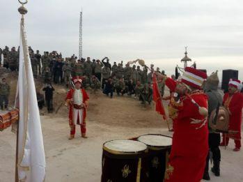 Mehter takımından askerlere moral konseri