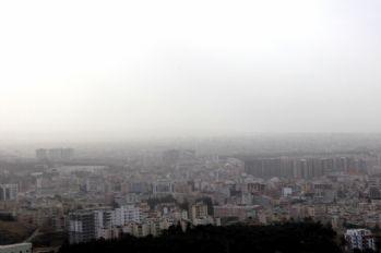 İskenderun'u toz bulutu kapladı