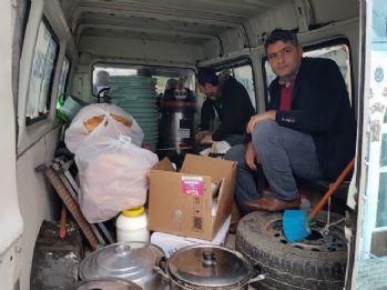 Vatandaştan Mehmetçik ile ÖSO'ya yemek servisi