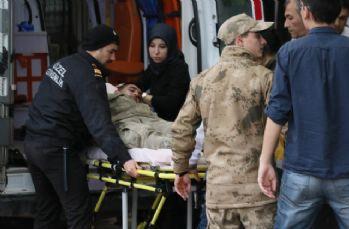 Çatışmalarda yaralanan 3'ü Türk askeri 5 kişi Kilis'e getirildi