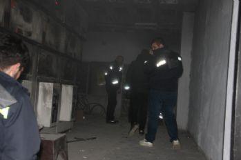 Trafo patladı, mahalle karanlığa büründü