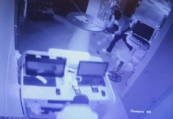 30 saniyede soygun kamerada