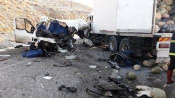 Van'da korkunç kaza: 8 ölü, 2 yaralı