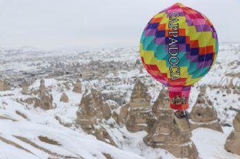 Kapadokya'da beyaz güzellik