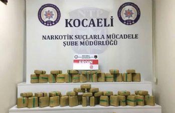 Kamyonda kilolarca uyuşturucu ele geçirildi