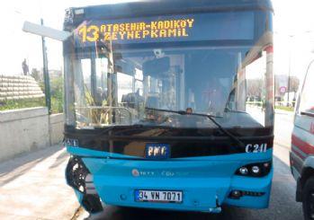 Üsküdar'da otobüs durakta bekleyenlere çarptı: 3 ölü