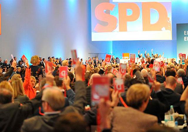 Almanya'da SPD, koalisyona 'tamam' dedi