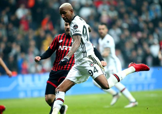 Beşiktaş adım adım zirveye! 1-0