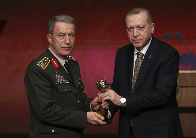 Erdoğan: Afrin'e girdik giriyoruz